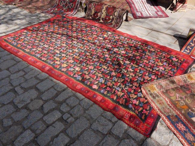 carpet kilim tbilisi manana flatweave georgia caucasus